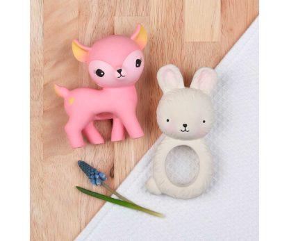 A-Little-Lovely-Company-Mordedor-Caucho-Bunny-JanaBanana-6