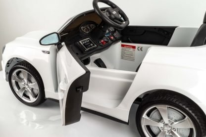 coche-electrico-audi-con-radio-control-para-niños-blanco-comodo