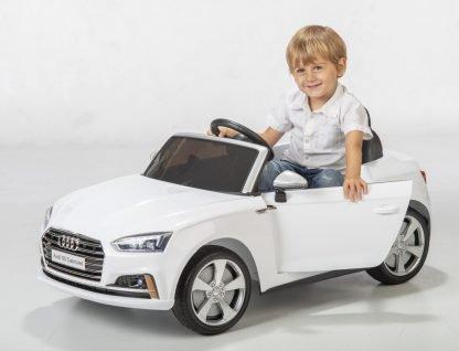 coche-electrico-audi-con-radio-control-para-niños