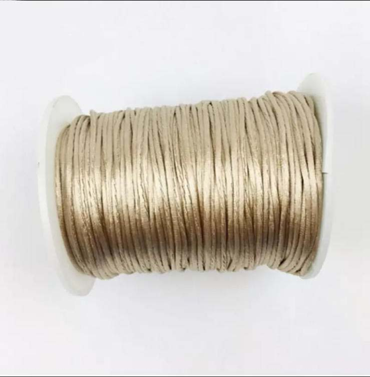 cuerda-chupetero-dorado-JanaBanana