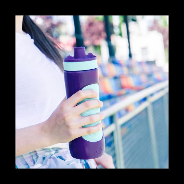 Botella-Plástico-Deporte-Aqua-Violet-680-ml-para-deportistas.png