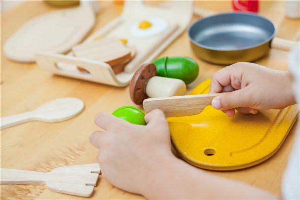 Surtido-de-Verduras-de-Madera-Plantoys-para-niños.jpg