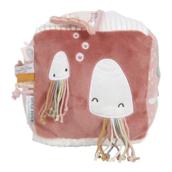 cubo-blandito-de-actividades-para-bebe-rosa-little-dutch-JanaBanana-7.jpg