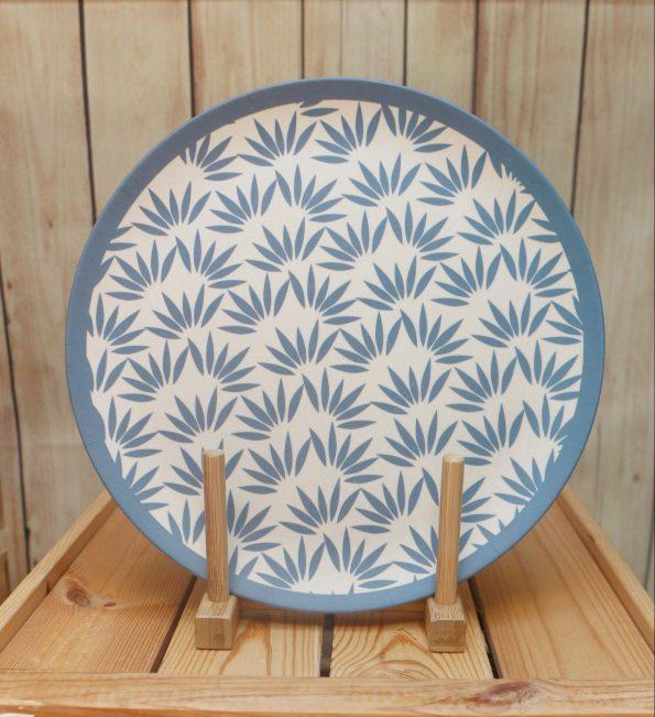 plato-llano-bambu-hojas-JanaBanana-scaled-e1598470605786.jpg